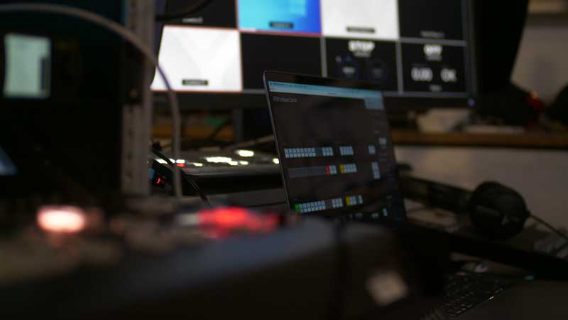 Onlineveranstaltung Streaming Studio Sessel